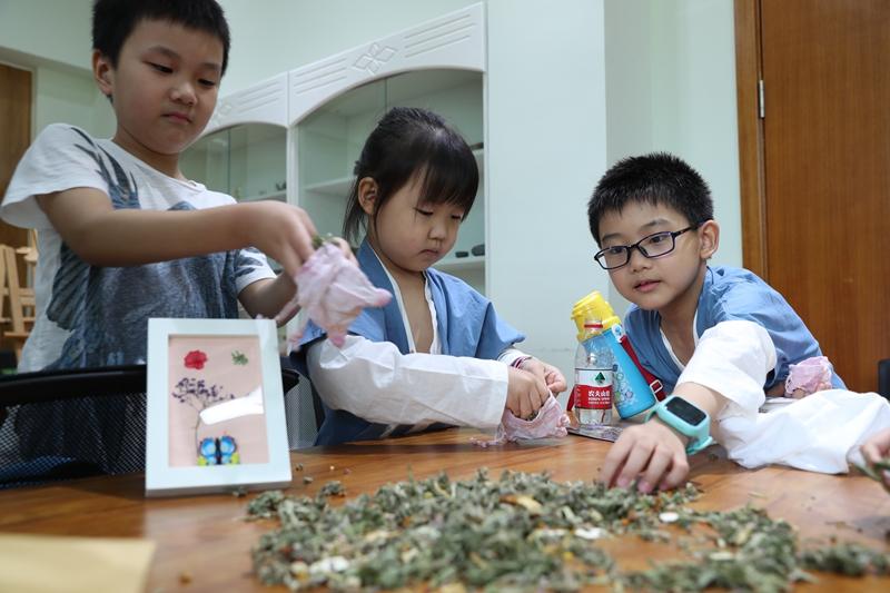 U:\信息报送\科普中心\2021年5月\活动预告丨上海植物园6月科普活动早知道\800\香囊制作.jpg